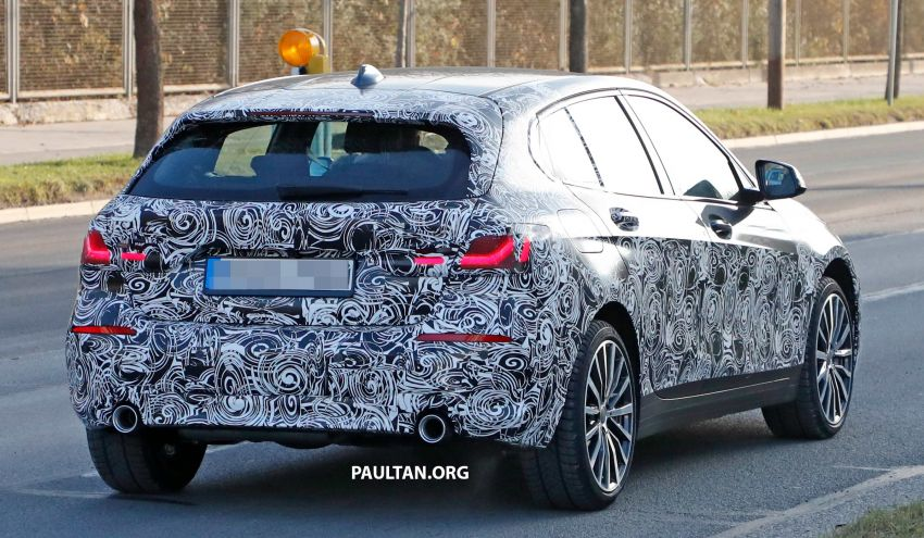 SPYSHOTS: BMW 1 Series drops some camouflage Image #895672