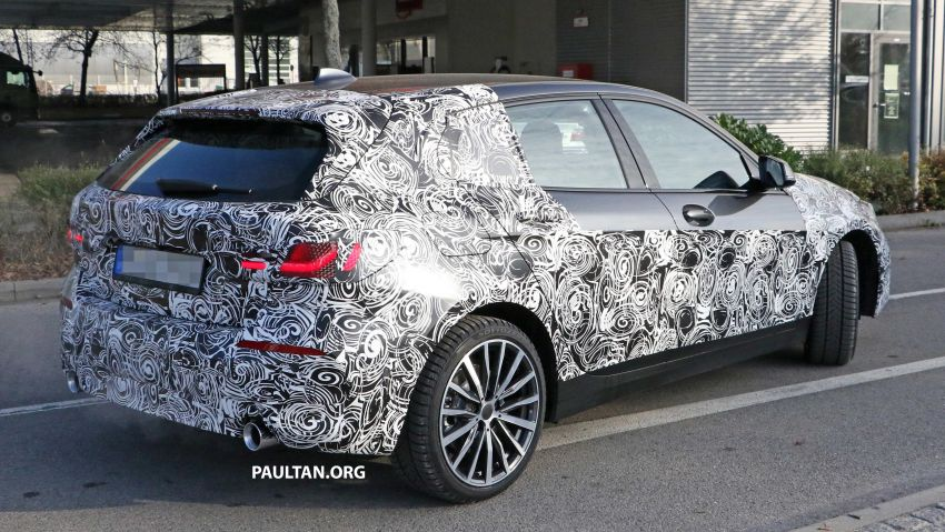 SPYSHOTS: BMW 1 Series drops some camouflage Image #895676