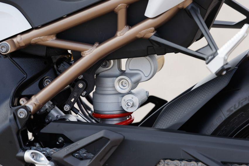 2018 EICMA: 2019 BMW Motorrad S 1000 RR shown Image #884891