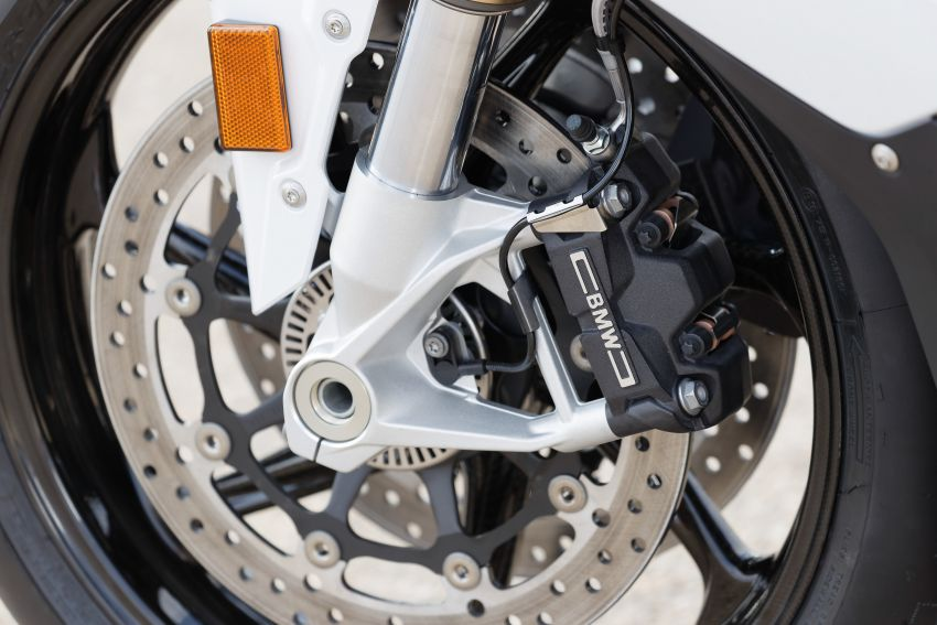 2018 EICMA: 2019 BMW Motorrad S 1000 RR shown Image #884893
