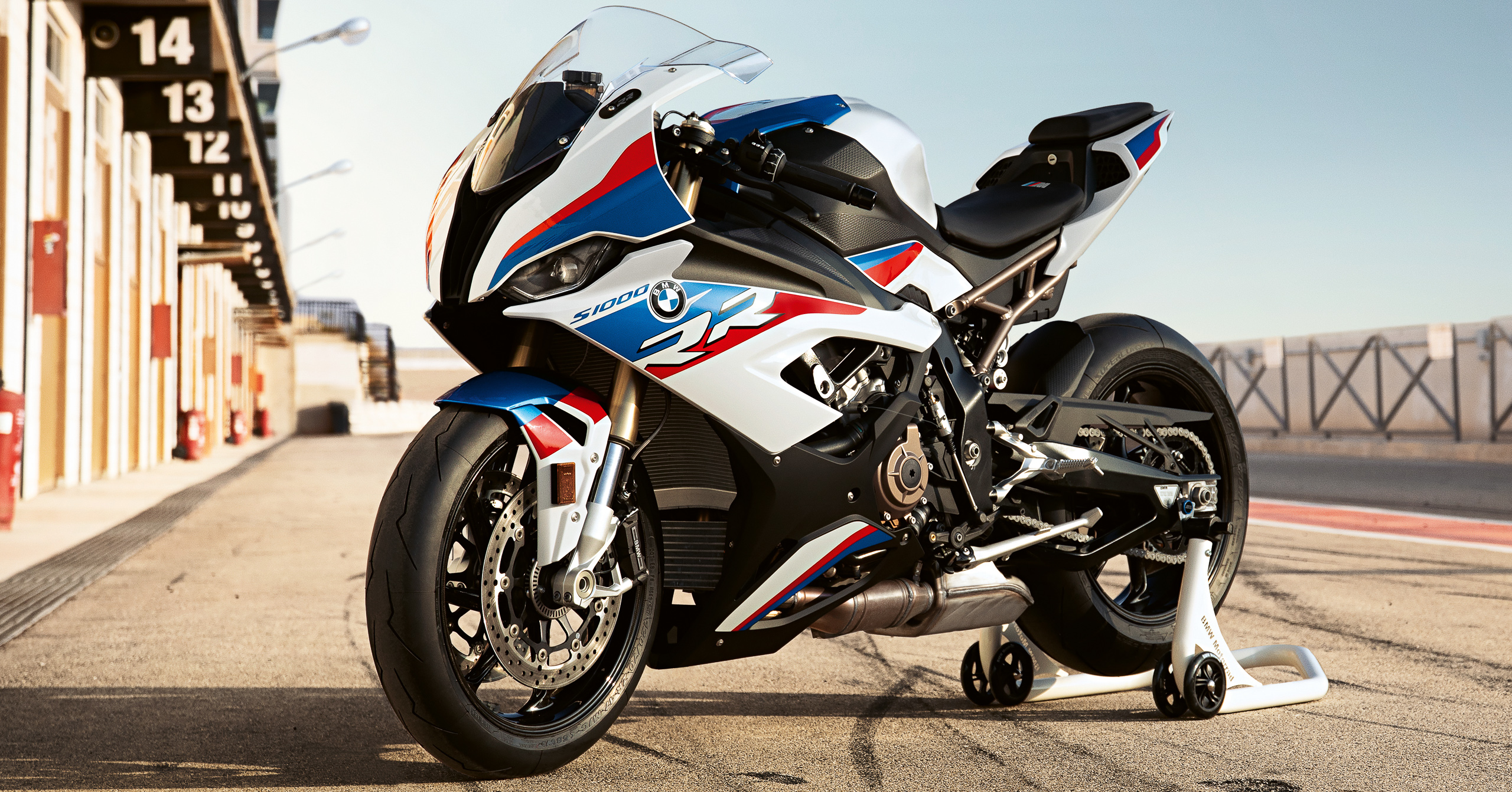 2019 BMW S 1000 RR first ride review - Overdrive