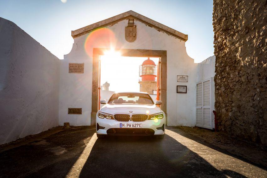 BMW 330e G20 plug-in hybrid diperincikan – 252 hp, 41 hp XtraBoost, 1.7 l/100 km, pacuan elektrik 60 km Image #889659