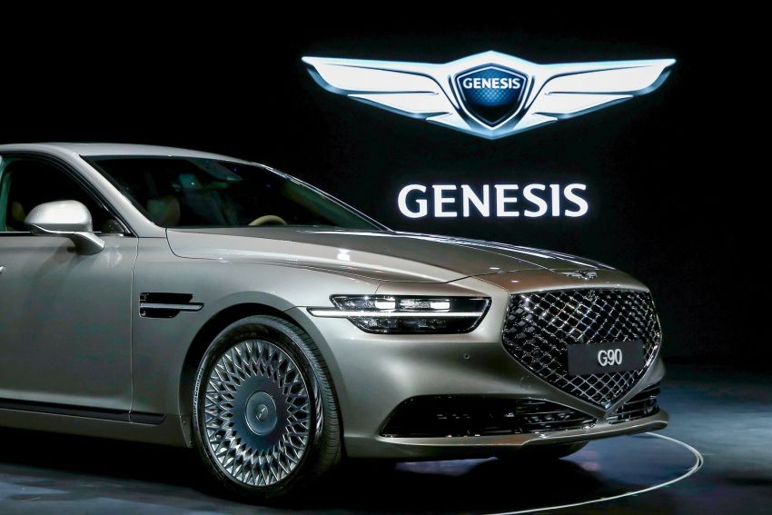 Genesis G90 facelift – major exterior overhaul for limo Image #895158