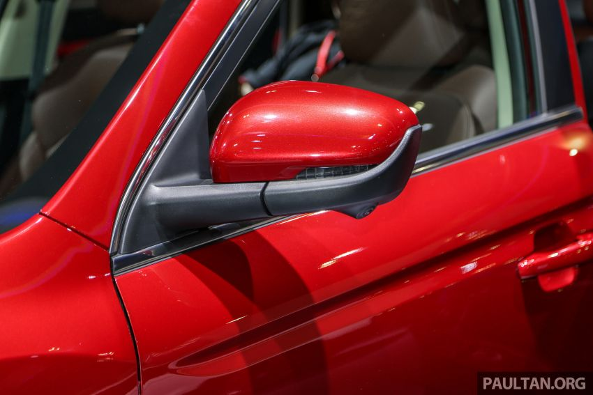 KLIMS18: Proton X70 SUV full preview, inside and out Image #891608