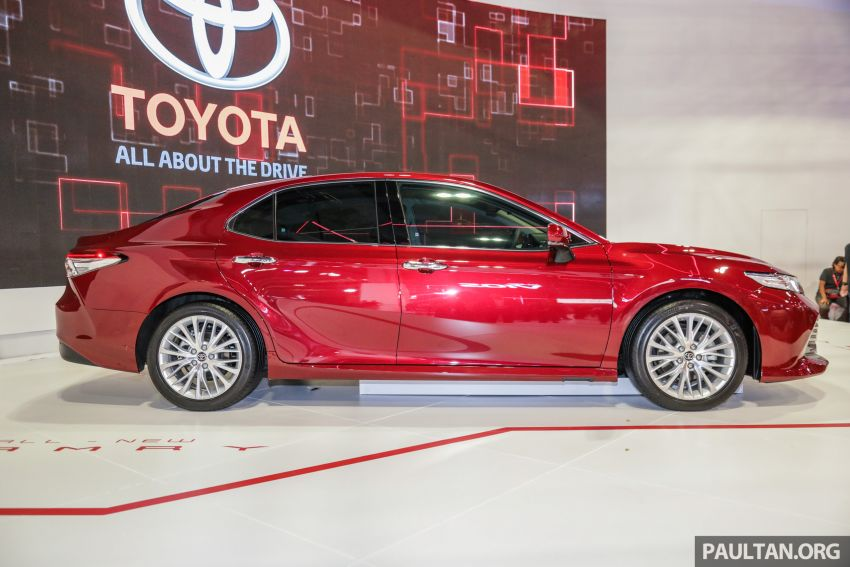 KLIMS18: New Toyota Camry launched – 2.5V, RM190k Image #891197