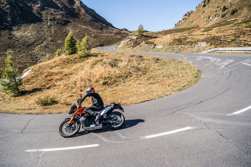 2018 EICMA: 2019 KTM 790 Adventure and Adventure R revealed – 95 hp, 189 kg, 15,000 km service interval Image #885230