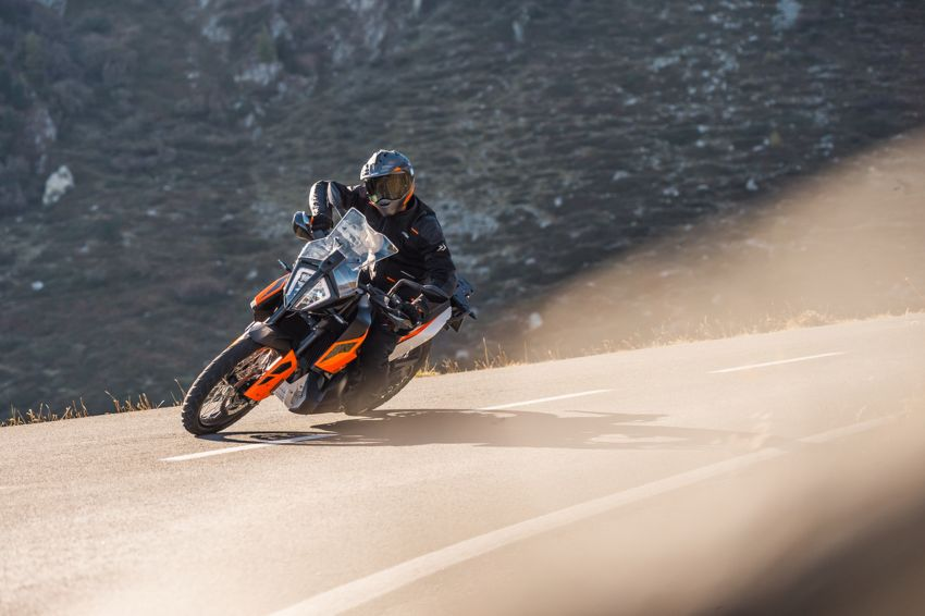 2018 EICMA: 2019 KTM 790 Adventure and Adventure R revealed – 95 hp, 189 kg, 15,000 km service interval Image #885232