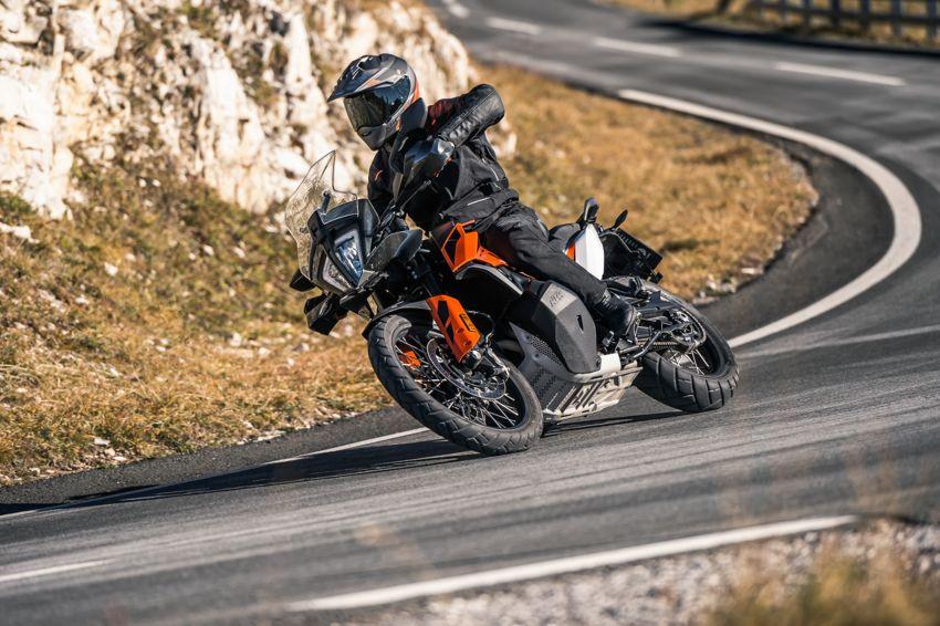 2018 EICMA: 2019 KTM 790 Adventure and Adventure R revealed – 95 hp, 189 kg, 15,000 km service interval Image #885233