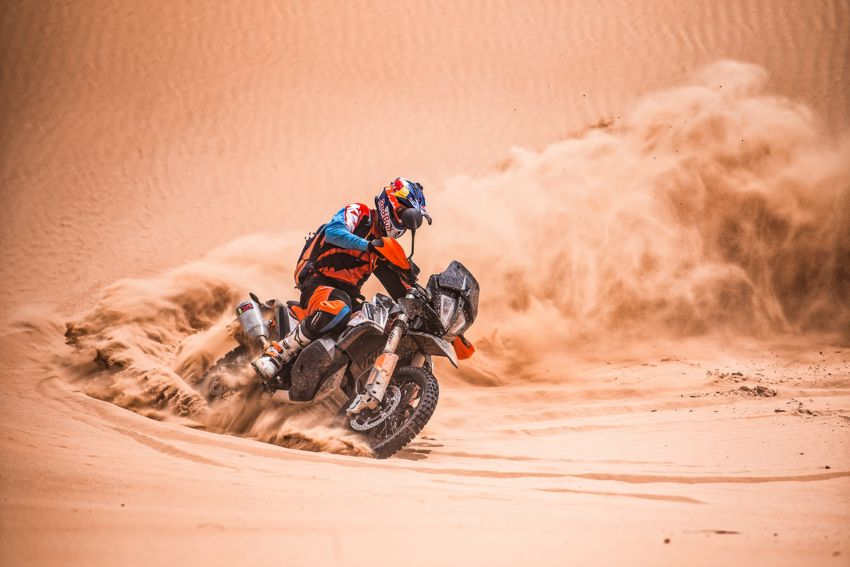 2018 EICMA: 2019 KTM 790 Adventure and Adventure R revealed – 95 hp, 189 kg, 15,000 km service interval Image #885240