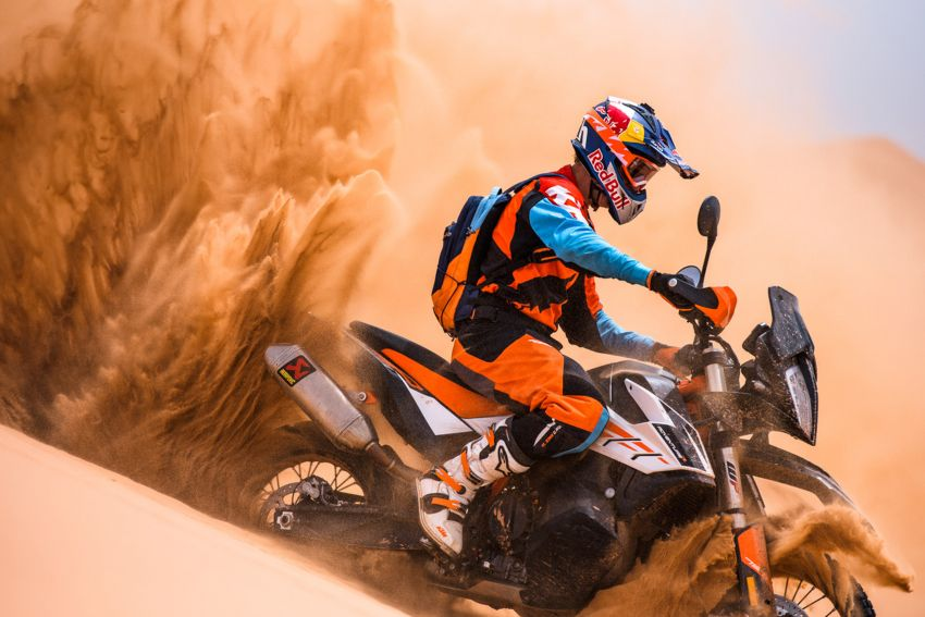 2018 EICMA: 2019 KTM 790 Adventure and Adventure R revealed – 95 hp, 189 kg, 15,000 km service interval Image #885241
