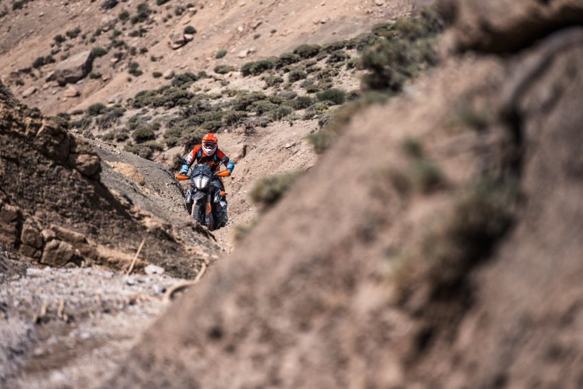 2018 EICMA: 2019 KTM 790 Adventure and Adventure R revealed – 95 hp, 189 kg, 15,000 km service interval Image #885242