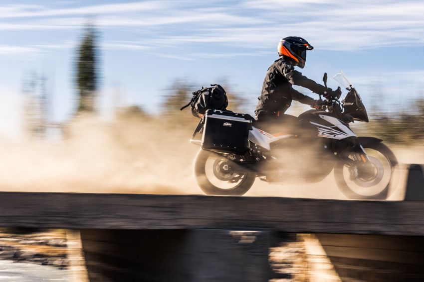 2018 EICMA: 2019 KTM 790 Adventure and Adventure R revealed – 95 hp, 189 kg, 15,000 km service interval Image #885245