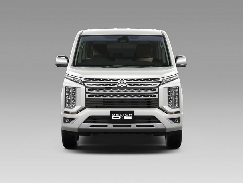 Mitsubishi Delica D:5 makes Japanese market debut Image #893671