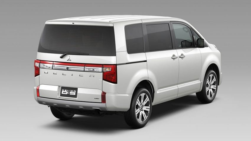 Mitsubishi Delica D:5 makes Japanese market debut Image #893677
