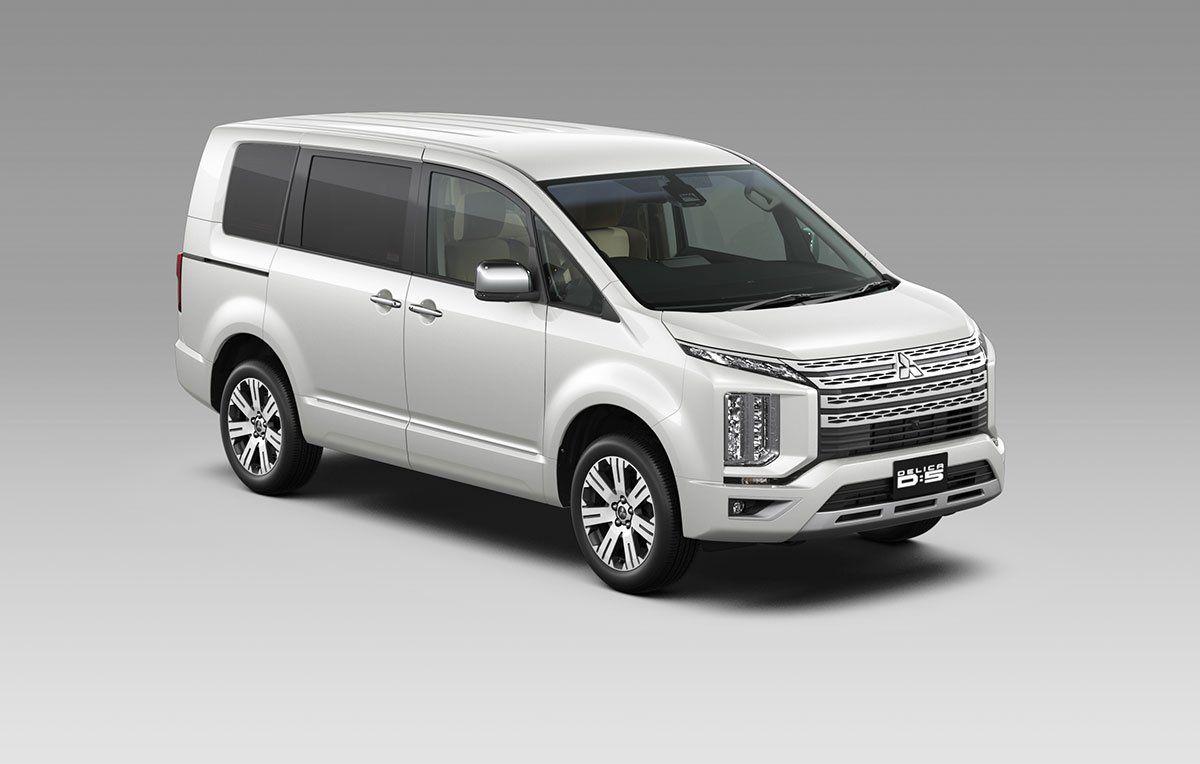 Mitsubishi Delica D:5 Makes Japanese Market Debut