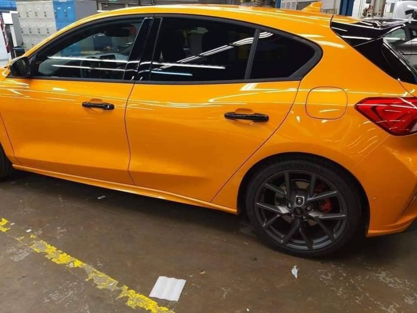 2019 Ford Focus ST undisguised ahead of world debut Image #899502