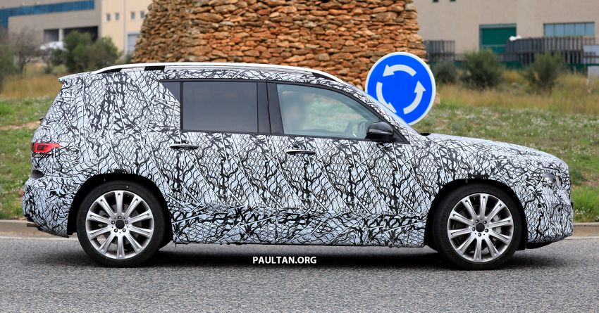 SPIED: 2019 Mercedes-AMG GLB 35 spotted testing! Image #898434