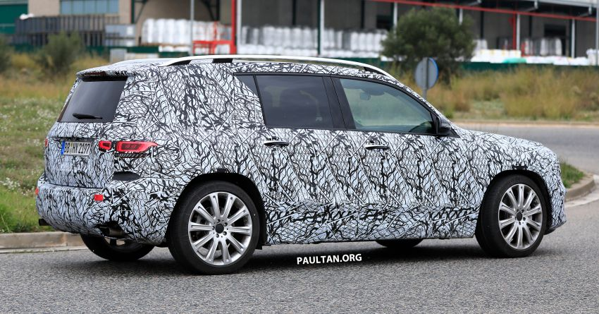 SPIED: 2019 Mercedes-AMG GLB 35 spotted testing! Image #898435