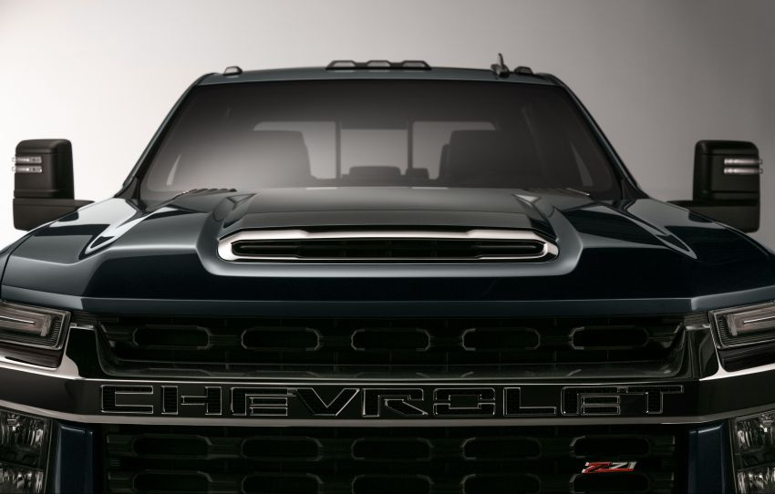 2020 Chevrolet Silverado HD – what's with that face? Image #898697