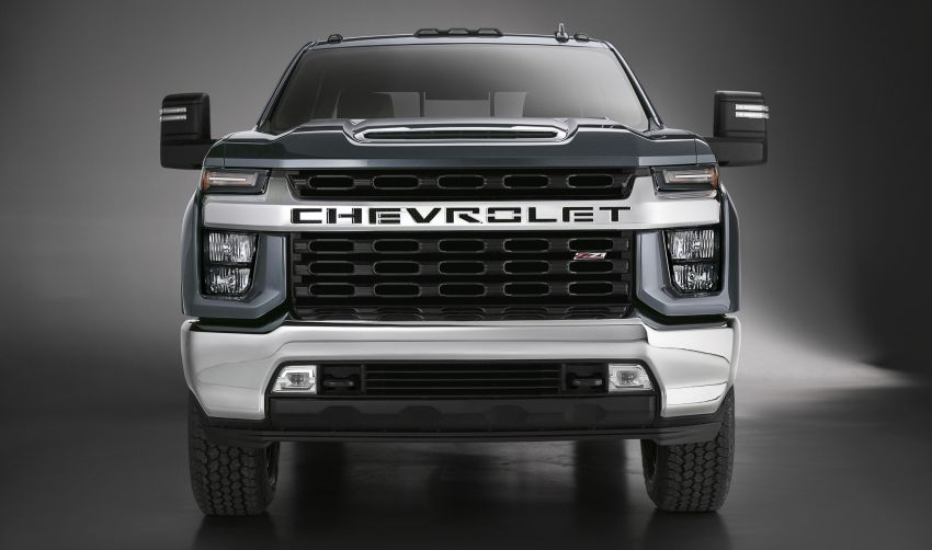 2020 Chevrolet Silverado HD – what's with that face? Image #898685