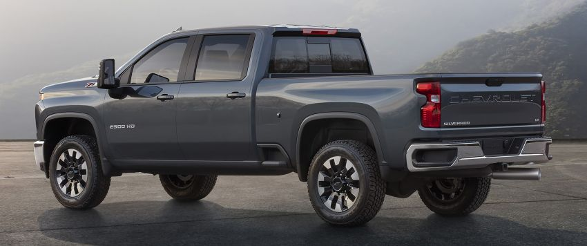 2020 Chevrolet Silverado HD – what's with that face? Image #898690