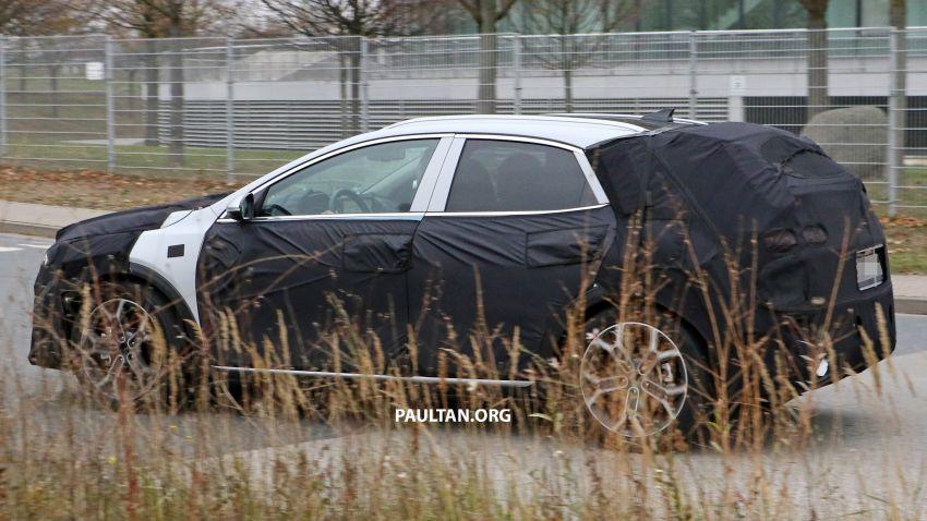 SPYSHOTS: Kia Ceed crossover gets rugged looks Image #898512