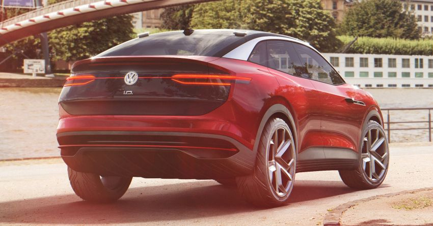 VW I.D. Lounge – seven-seat SUV to lead electric range Image #900701