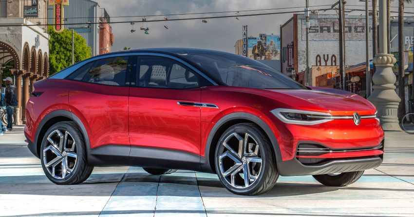 VW I.D. Lounge – seven-seat SUV to lead electric range Image #900702