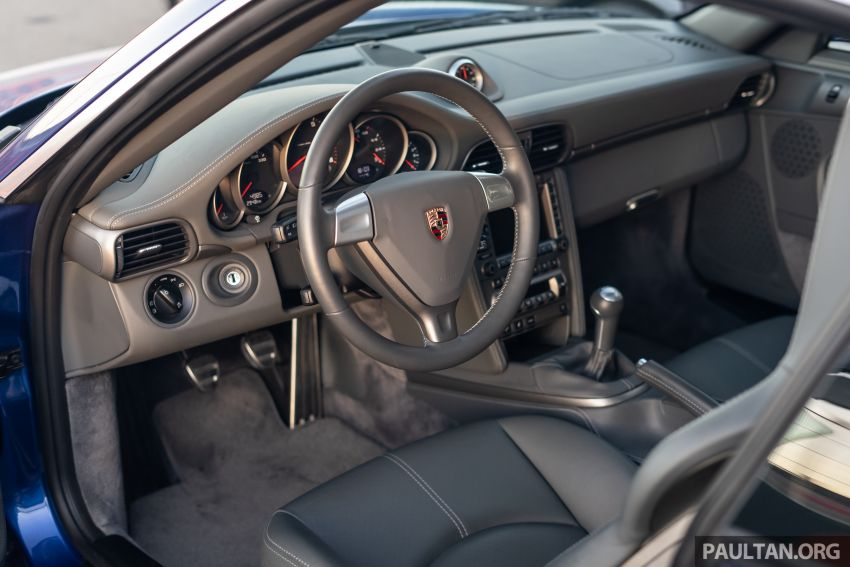 Porsche 911 tribute – a living legend owning its niche Image #989694