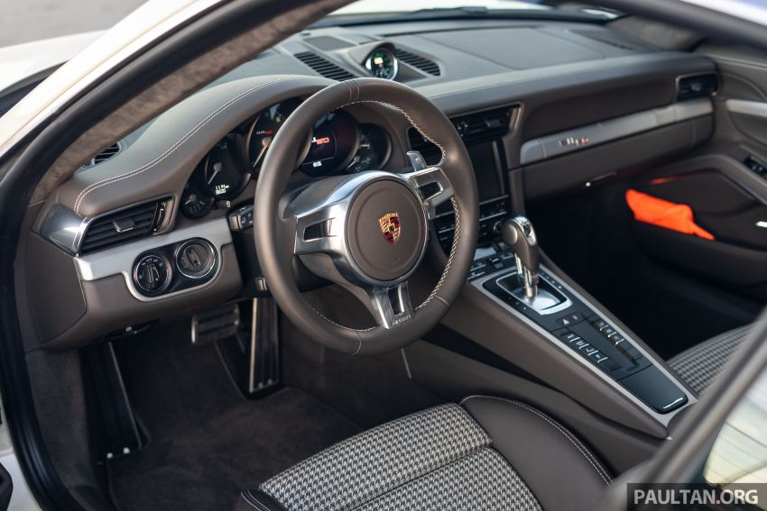 Porsche 911 tribute – a living legend owning its niche Image #989700