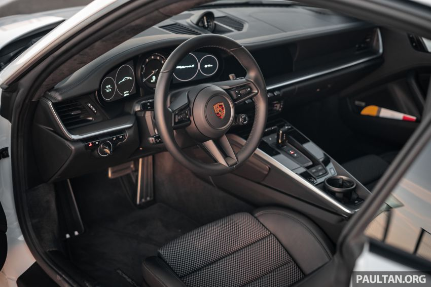 Porsche 911 tribute – a living legend owning its niche Image #989705