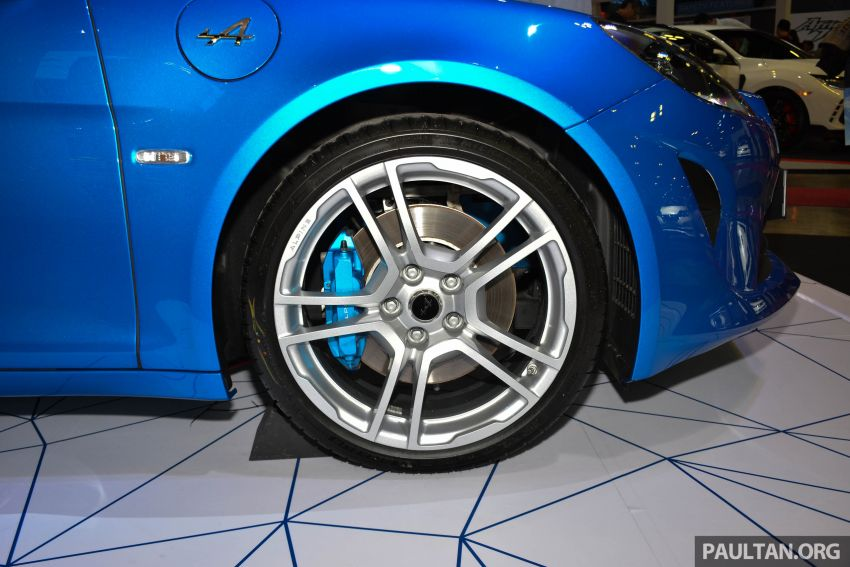 Alpine A110 goes on display at Singapore Motor Show Image #909484