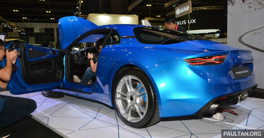Alpine A110 goes on display at Singapore Motor Show Image #909469