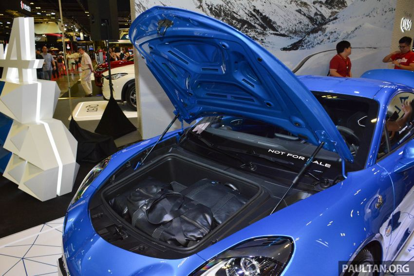 Alpine A110 goes on display at Singapore Motor Show Image #909495