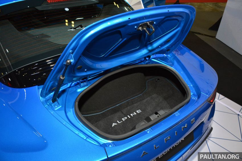 Alpine A110 goes on display at Singapore Motor Show Image #909496