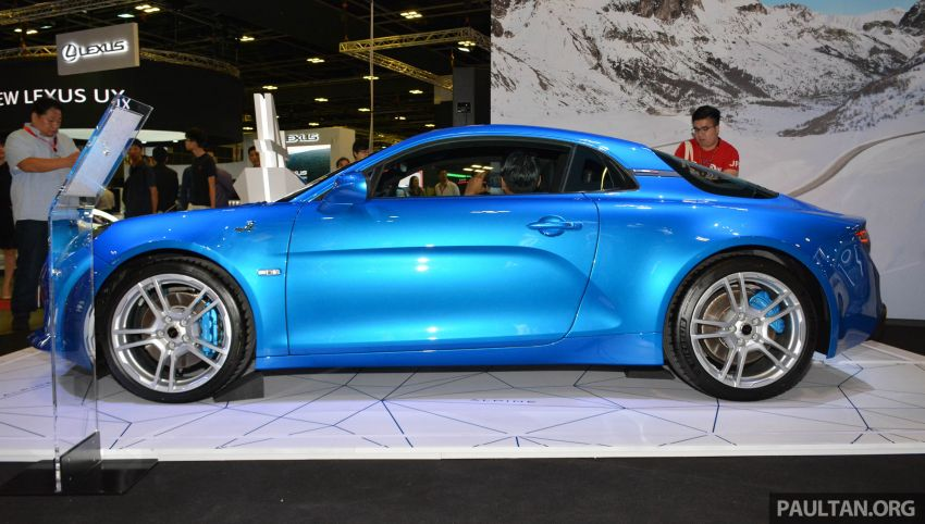 Alpine A110 goes on display at Singapore Motor Show Image #909473