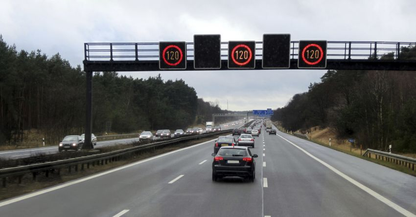 Germans riled up over potential Autobahn speed limit Image #914648