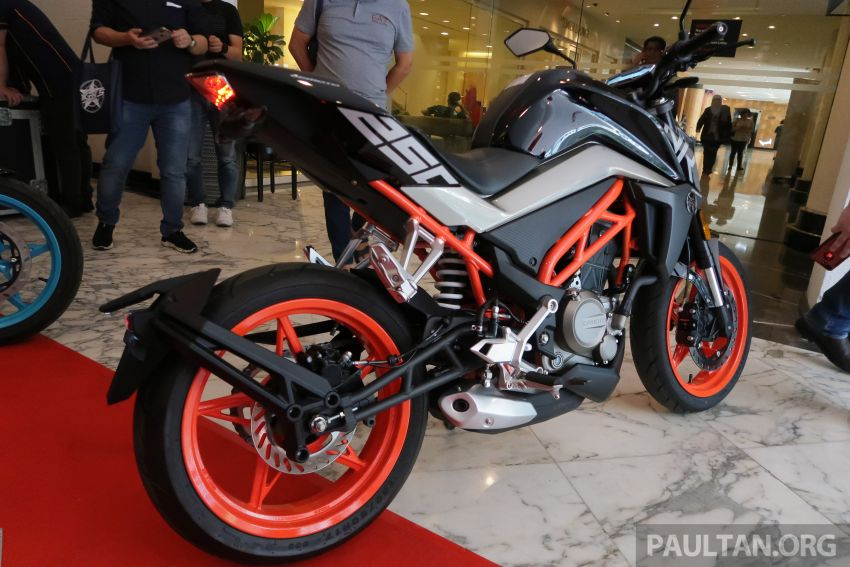 2019 CFMoto 250 NK now in Malaysia – RM12,800 for standard, RM13,800 for NK SE with ABS and TFT-LCD Image #913336