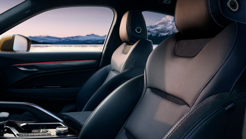 Geely FY11 – interior pics of new coupe SUV revealed Image #916891
