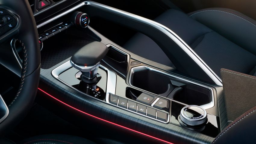 Geely FY11 – interior pics of new coupe SUV revealed Image #916893