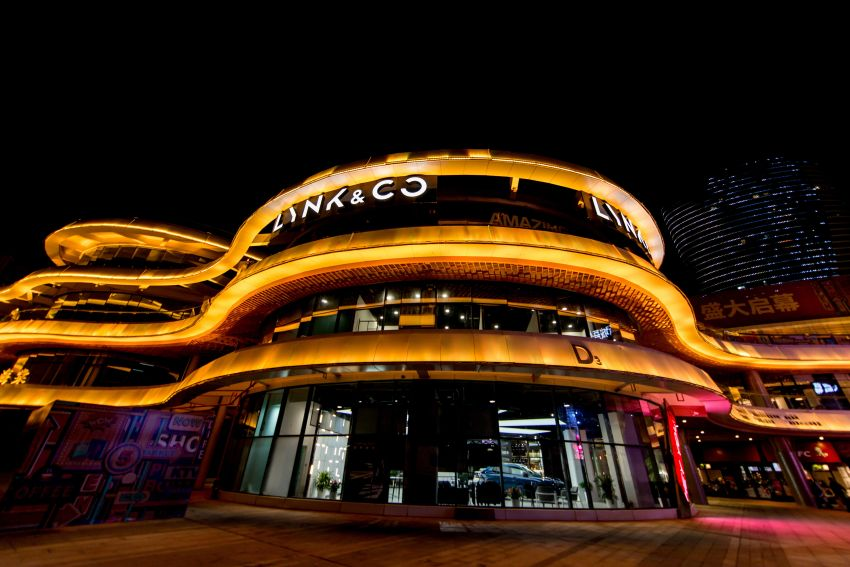 Lynk & Co sold 120,414 cars, established 221 retail outlets in 2018 – first European stores to open in 2020 Image #916291