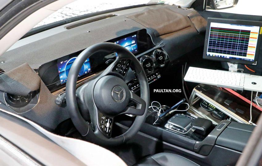 SPIED: Mercedes-Benz GLB interior seen up close! Image #906323