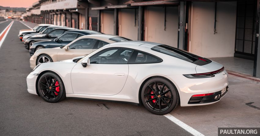 Porsche 911 tribute – a living legend owning its niche Image #989707