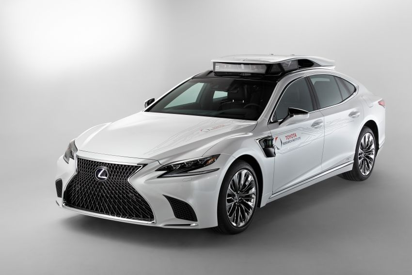 Toyota Research Institute reveals P4 autonomous driving prototype for CES – based on Lexus LS Image #906947