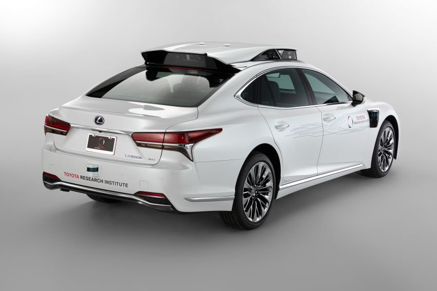 Toyota Research Institute reveals P4 autonomous driving prototype for CES – based on Lexus LS Image #906949