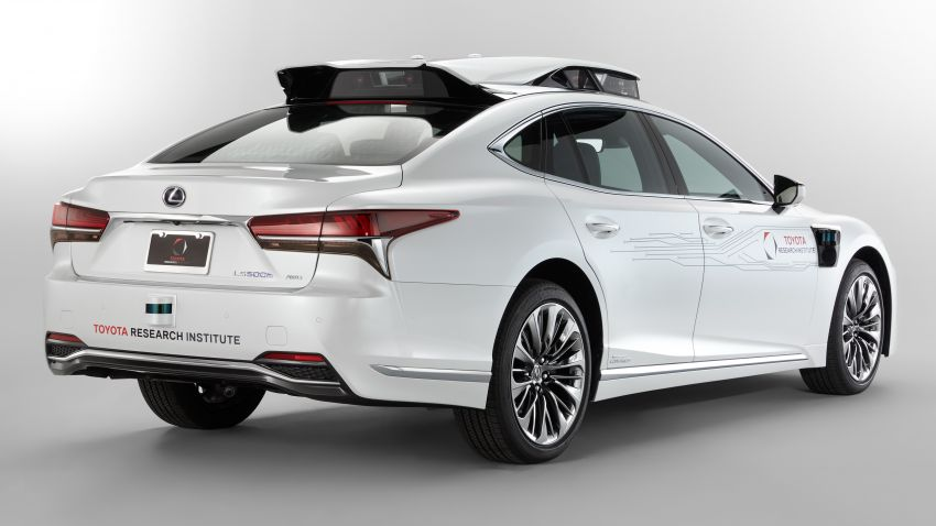 Toyota Research Institute reveals P4 autonomous driving prototype for CES – based on Lexus LS Image #906950