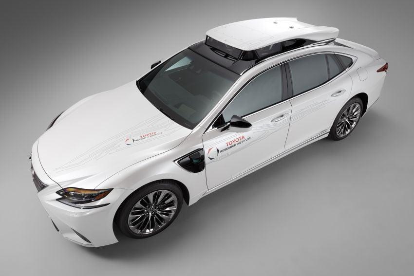 Toyota Research Institute reveals P4 autonomous driving prototype for CES – based on Lexus LS Image #906935