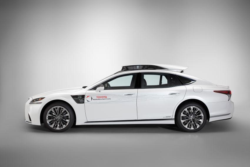 Toyota Research Institute reveals P4 autonomous driving prototype for CES – based on Lexus LS Image #906936