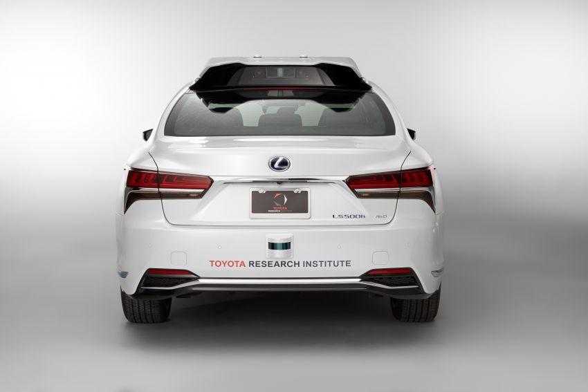 Toyota Research Institute reveals P4 autonomous driving prototype for CES – based on Lexus LS Image #906937