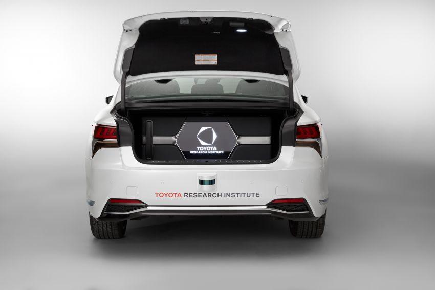 Toyota Research Institute reveals P4 autonomous driving prototype for CES – based on Lexus LS Image #906938
